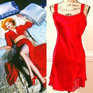 Vintage Etonne Cato Red Satin Nightgown Chemise M
